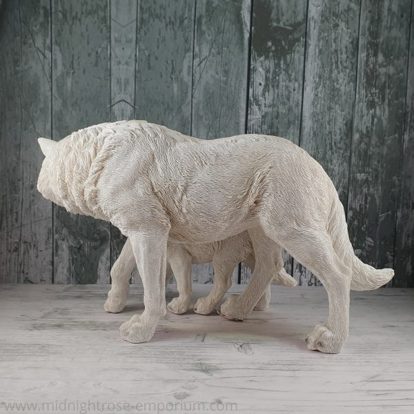 Winter Offspring Wolf Ornament 27.5cm
