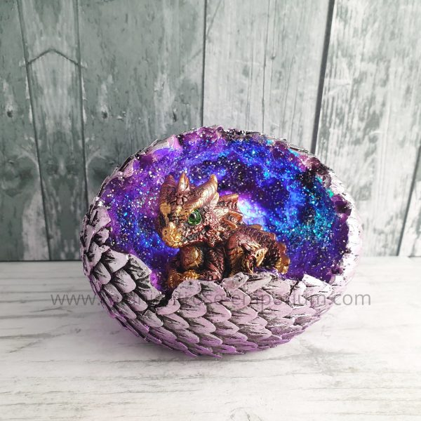 Geode Home LED Crystal Baby Dragon Figurine (Red)