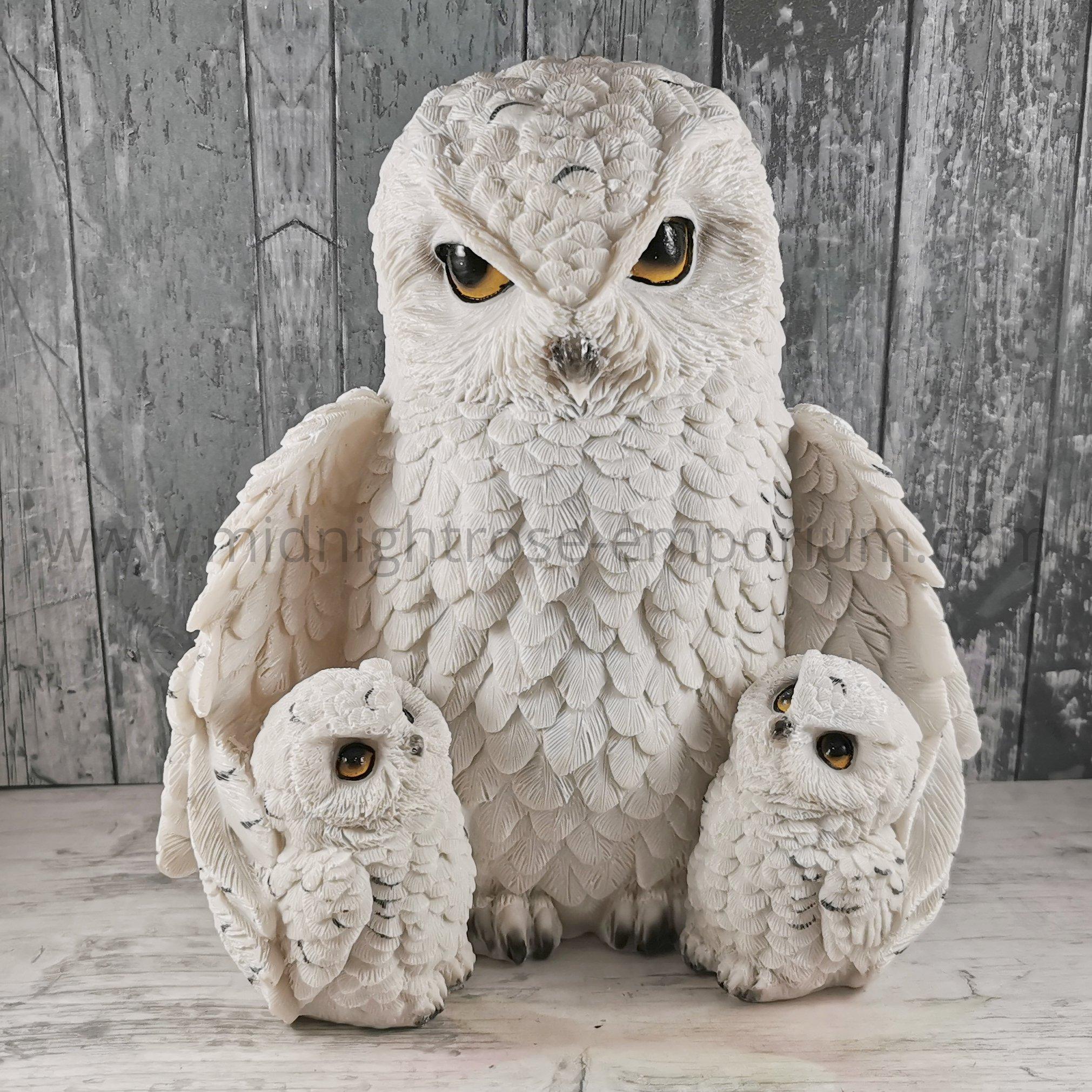 Feathered Family Snowy Owls Figurine 21.5cm