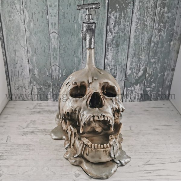 'Tapped' Skull 24cm